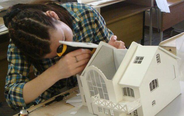 Как сделать макет дома из бумаги?